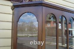 51131 BIGGS MAHOGANY 2 Piece ARCHED GLASS DOOR CHINA CABINET