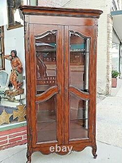 French Country Provincial Curio Double door beveled glass Walnut display cabinet
