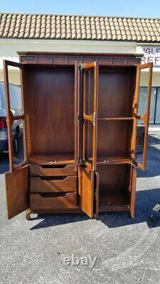 Henredon Pan Asian 8 Door Lighted Breakfront China Cabinet Thick Glass Shelving