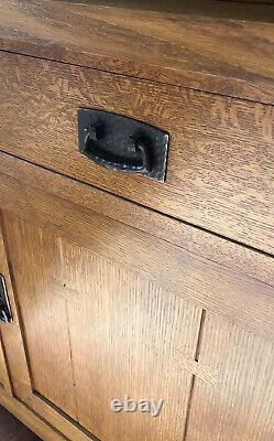 Signed STICKLEY Mission Oak Arts & Crafts China Cabinet & Leaded Glass 3 Doors