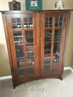 Stickley Mission style Oak 2 Door Display Cabinet